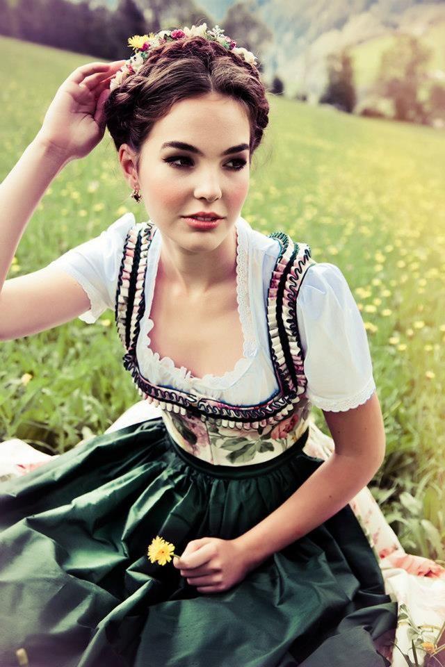 Best 25 Dirndl ideas on Pinterest  Drindl dress