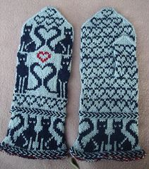 Cat Heart Mittens pattern