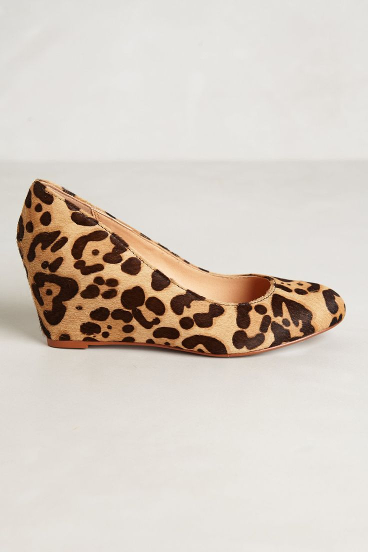 Loving this wedge for fall. It can be your go to shoe. It goes with everything.