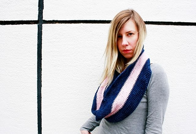 Little Things Blogged: CROCHET SPRING MOEBIUS COWL WITH LHASA WILDERNESS