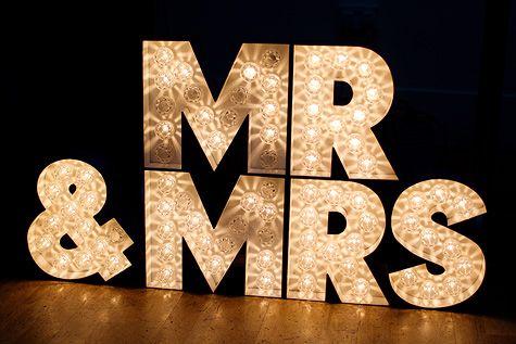 mr & mrs lighting sign