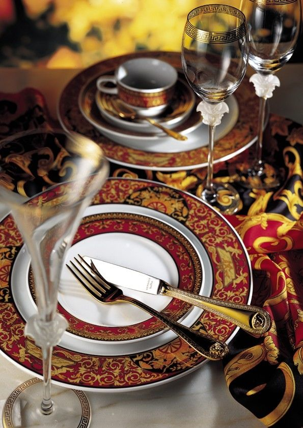 Best 25 versace home ideas on pinterest luxury for Table versace