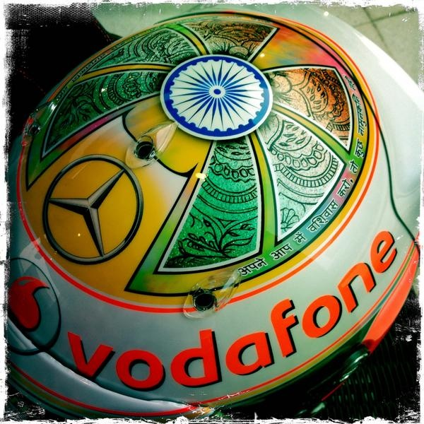 """Believe in yourself and anything is possible"" in Hindi on Lewis Hamilton's helmet."