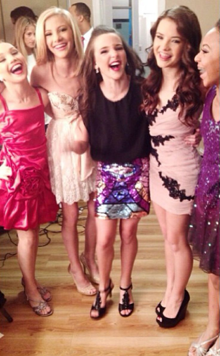 Dance Moms Maddie, Paige, Kendall, Brooke and Nia at a set ...