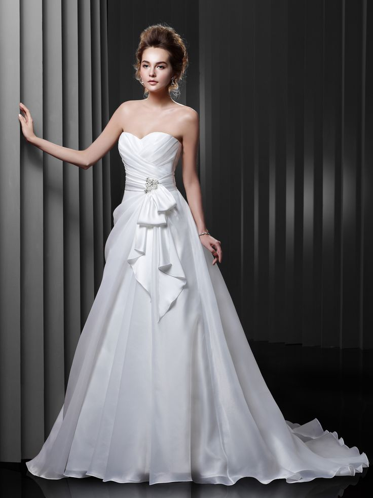 147 best Wedding Dresses 2015 images on Pinterest | Wedding frocks ...