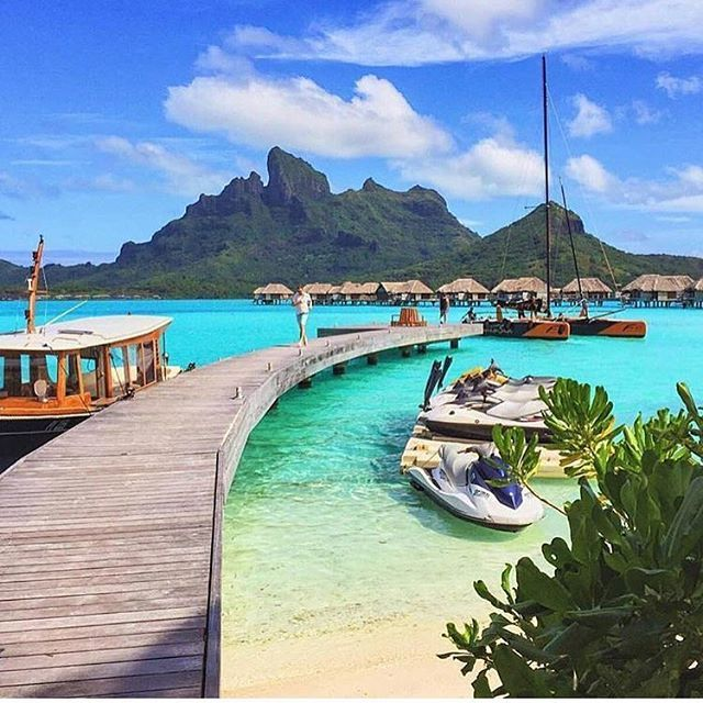 GM Saturday perfection BORA BORA 😁@aliciaonearth #FCtravels