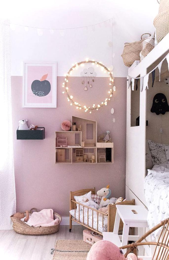 Maedchenzimmer Mit Kojenbett Und Wand Altrosa In 2020 Kid Room Decor Baby Room Decor Girl Room