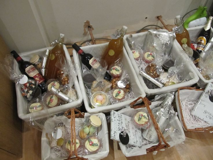 Cup Cakes with Christmas Hampers
