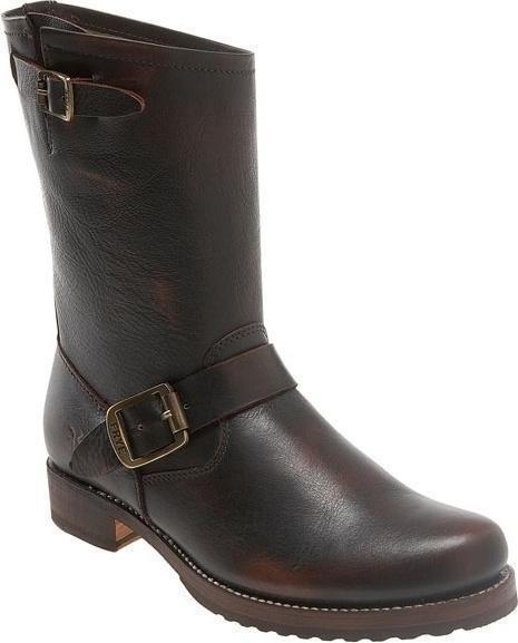Rachel Bilson wearing Frye Veronica Short Boots.