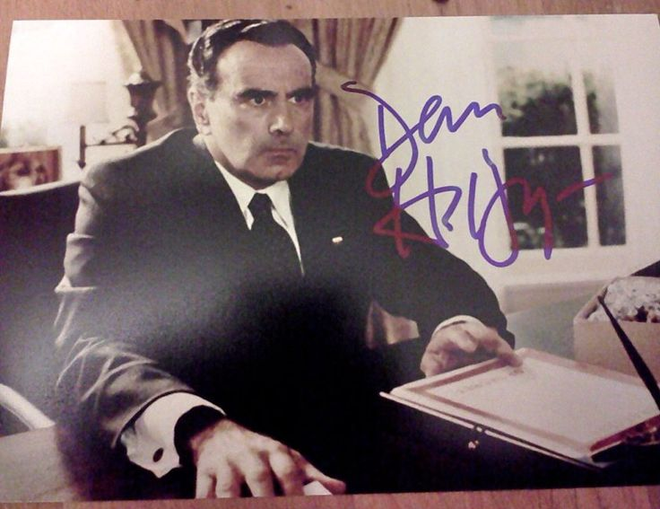Dan Hedaya The Usual Suspects Autographed 5x7 Photograph