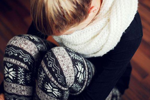 Knit leggings.