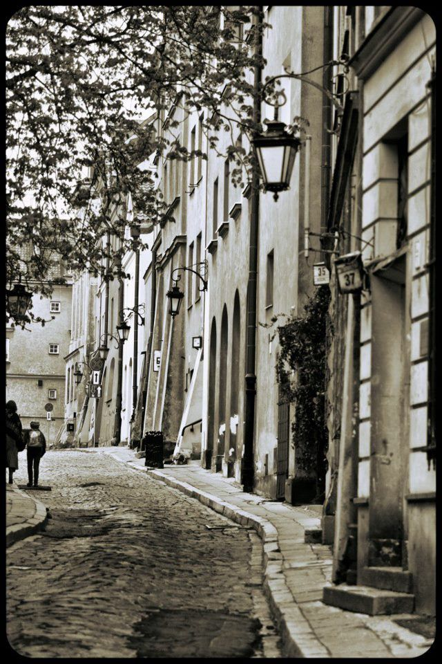 Warsaw, The Old Town - photo by One Day, One Place