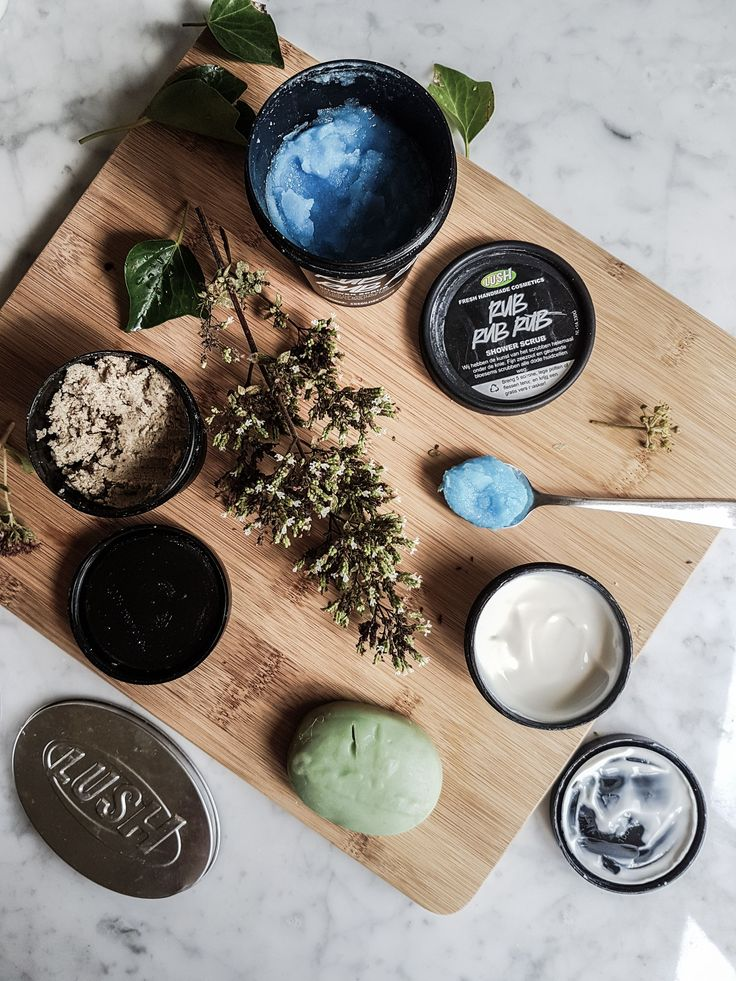 New article about Lush products review!  Lush products / Lush cosmetics / Lush flat lay / Skin care routine /