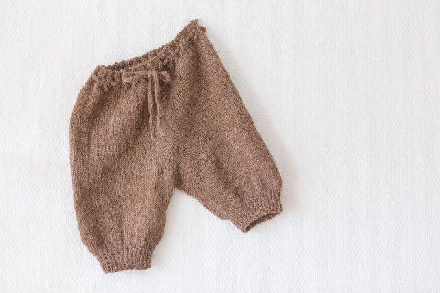 Strikking - guttestrikk - Den store guttestrikkeboka Knitting for a boy, brown long shorts