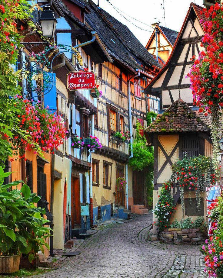 Eguisheim, Alsacia, Francia.