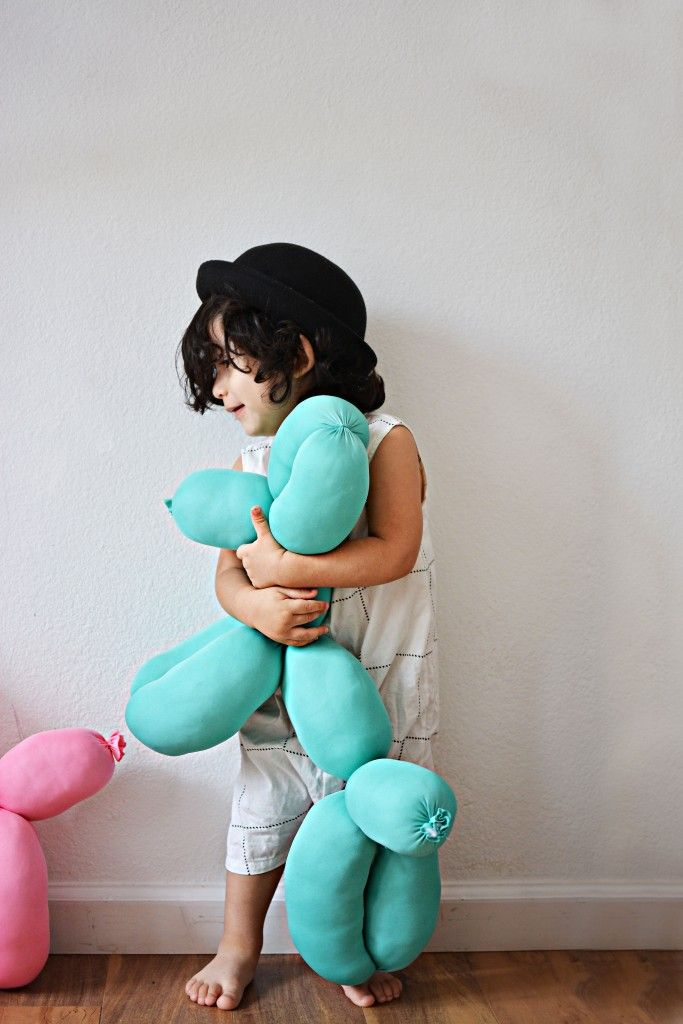 "Large, stuffed ""balloon"" animal diy"