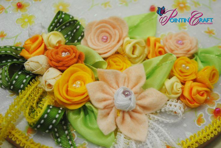 http://www.pointincraft.eu/it/319-primavera-pasqua #pointincraft #pointincrea #primavera #spring #fiori #flowers #sovrapporta #pink #rosa #orange #arancione #green #verde #bianco #white #giallo #yellow #creazioni #progetti