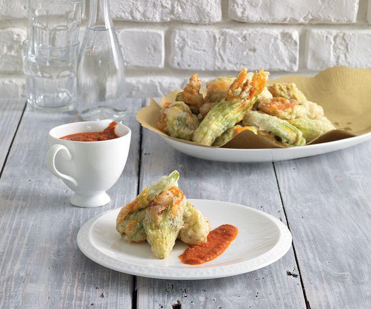 Fiori di zucca ripieni di sarde con salsa di pomodori secchi La Cucina Italiana