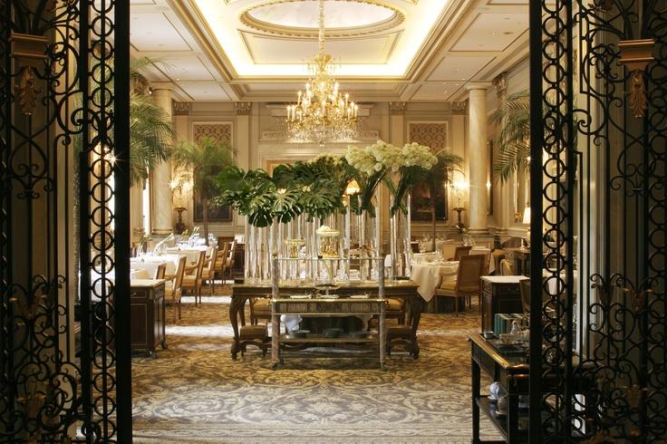 Restaurant Le Cinq- Entrance
