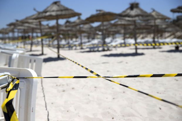 """Tunisie: le tueur """"tirait sur les touristes avec un grand sourire"""""""