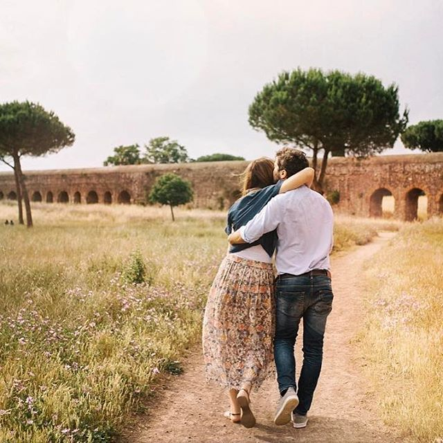 What's the difference? Between the love of your life and your soulmate? One is a choice, and one is not. 💛 • #alicecoppolaphotography #soulmates #loveisallaboutmoments #soulmate #soulmatequotes #rome #engagementinrome #engagementshoot