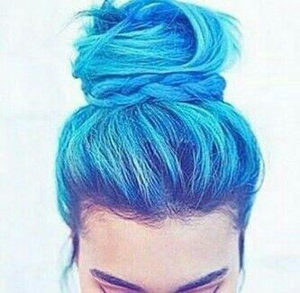 OMG!!!BLUE HAIR!!!