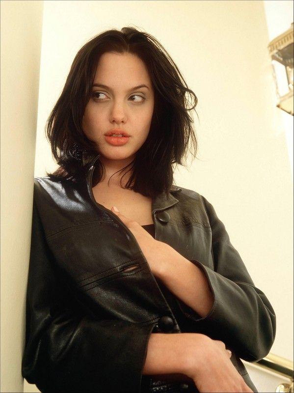 young Angelina Jolie with medium hair.jpg