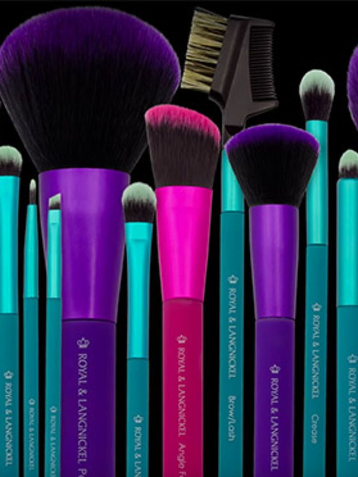 This past November, the professional makeup- and art-brush company Royal and Langnickel launched Moda, an affordable line of tools for the makeup obsessed. As well as having an appealing price point (each individual brush...