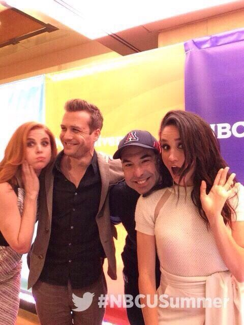 Sarah Rafferty, Gabriel Macht, Rick Hoffman, and Meghan Markle- okay, this group looks fun to party with :)