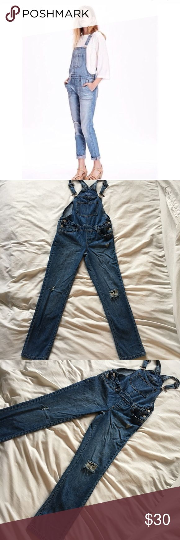 Old Navy Boyfriend Skinny Overall Med Wash SZ L Old Navy Boyfriend Skinny Overall Med Wash SZ L. Perfect condition. On trend.  Approximate Measurements   Waist 28 Hips 30 Inseam 25 1/2 Old Navy Jeans Overalls