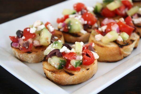 Greek Salad Bruchetta: Food Recipes, Appetizers Recipes, Greek Salad Bruschetta, Easy Appetizers, Parties, Breads, Greek Bruschetta, Bruschetta Recipes, Weights Loss