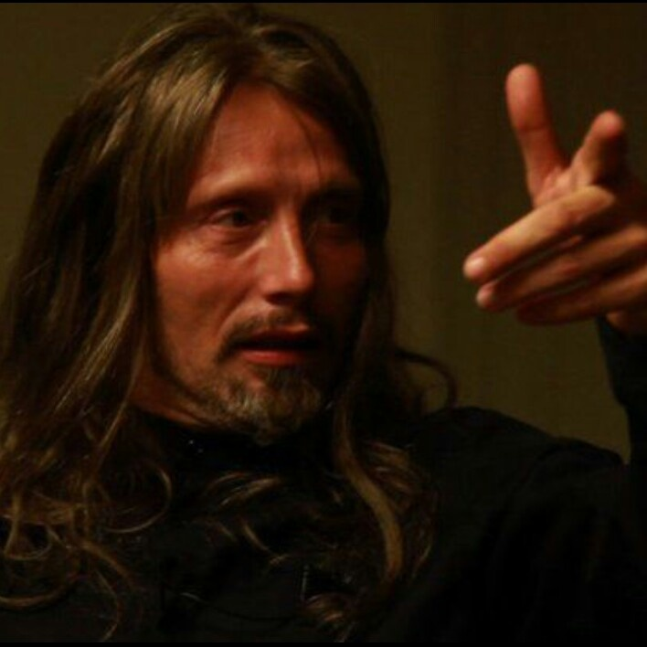 Oh my God, Mads with long hair. (swoon....thud)