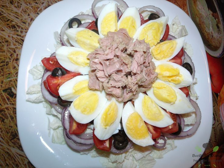 Salată cu ton, roșii cherry, măsline și ceapă roșie   #Ceapă roșie #Roșii cherry #Salată #Ton