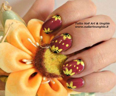 nail art con girasole 1