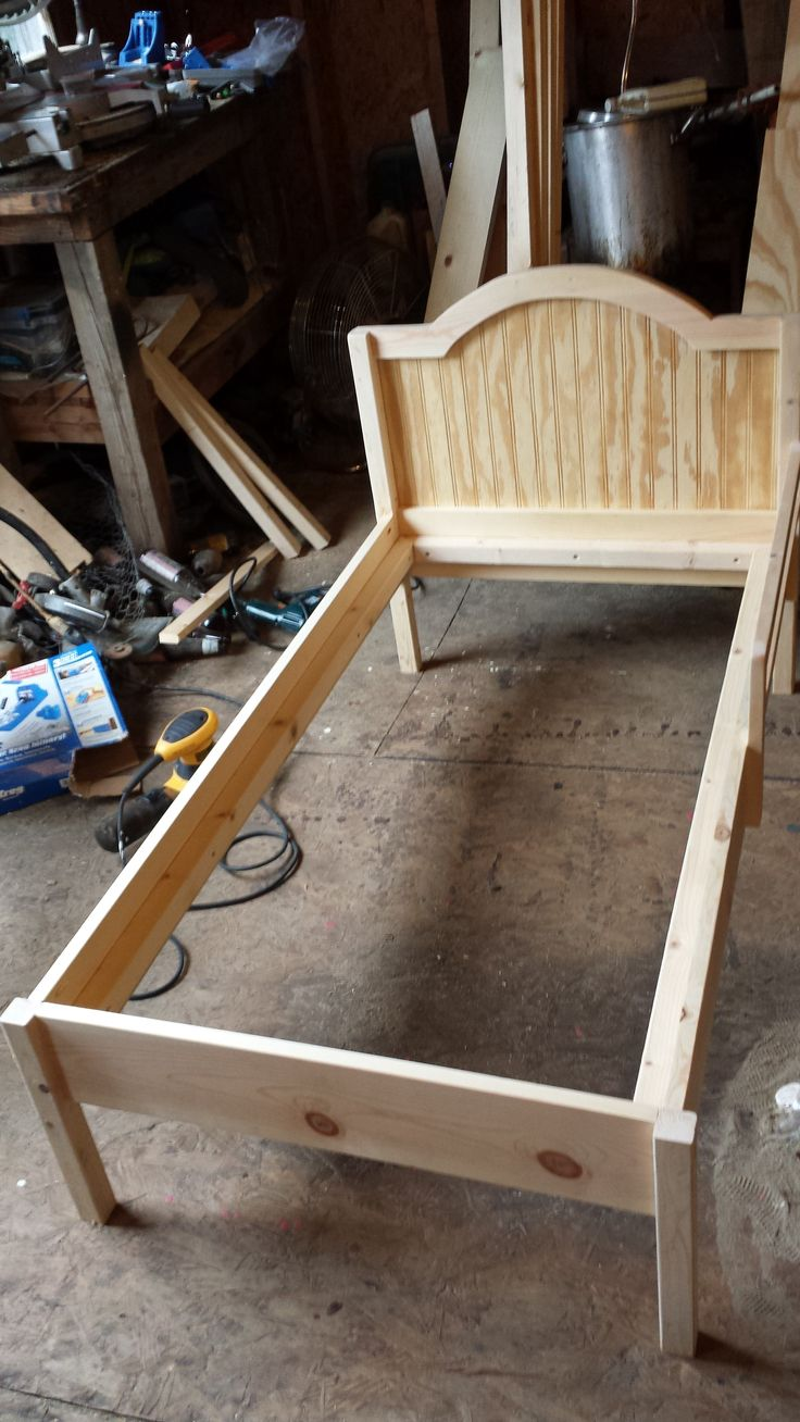 Ana White | The Traditional Wood Toddler Bed - DIY Projects