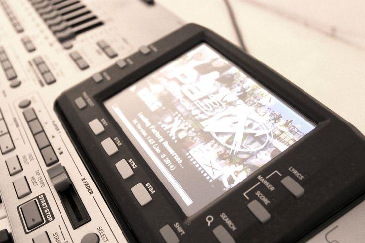 1700,00€ · Korg Pa3X 76 Arreglista profesional para la venta · nuevo Korg Pa3X 76 de arreglos profesionales (76-Key)  El 76-key Arranger Pa3X Profesional de Korg se basa en Korg EDS-X (Enhanced Definition Síntesis expandida) motor de sonido y viene con más de 1.500 listos para reproducir sonidos. Esta colección ofrece una amplia recopilación de los teclados clásicos y contemporáneos, la banda y los instrumentos de orquesta, además de los instrumentos electrónicos y acústicos - desde el…