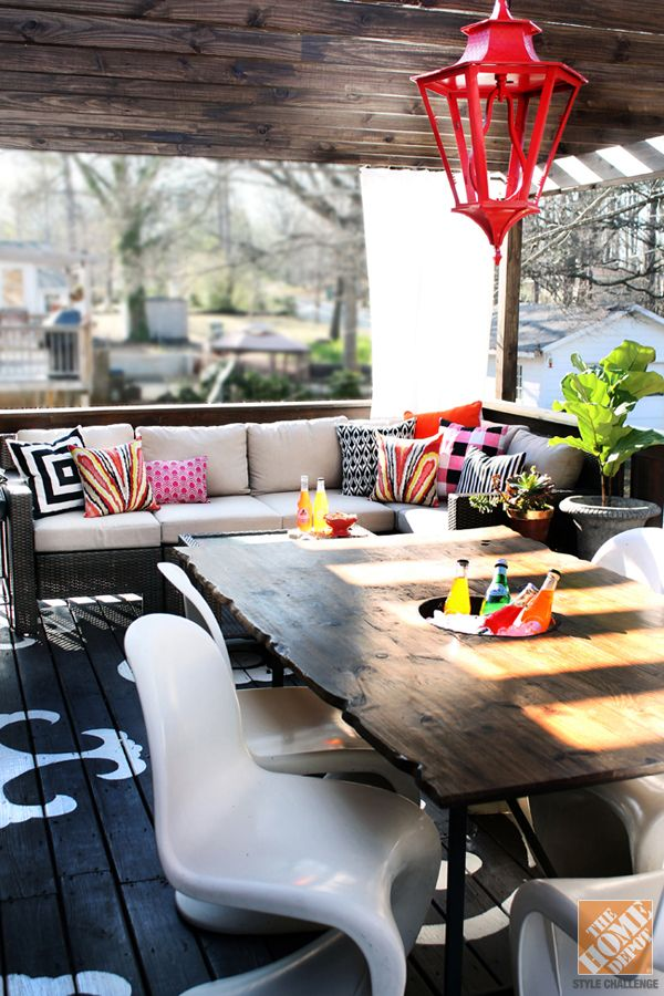 Outdoor Decorating with Color: Vintage Lantern Hangs Over DIY Live Edge Table #pinmydreambackyard