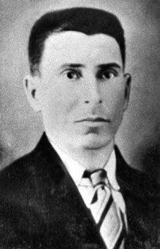 Consideraron la Cuban Cane Sugar Corporation y el tiránico gobierno del presidente Gerardo Machado Morales, a Enrique Varona González como líder de los trabajadores ferroviarios y formidable conductor de huelgas en centrales azucareros. Por esa razón, ordenaron asesinarlo