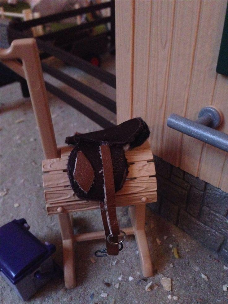 Selbst gemachter Schleich Pferde  Sattel