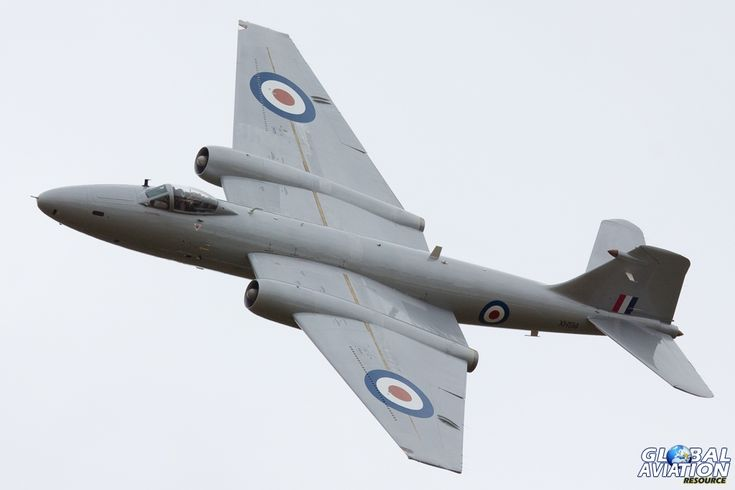 Midair's English Electric Canberra PR9 (photo reconnaissance) version of the RAF's first jet bomber. © Huw Hopkins - www.globalaviationresource.com