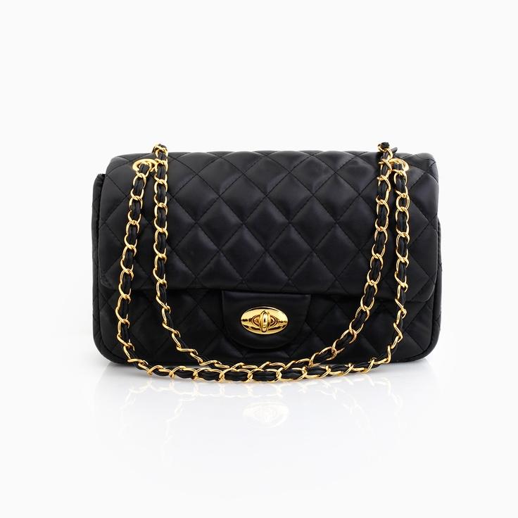 love it. black chain purse