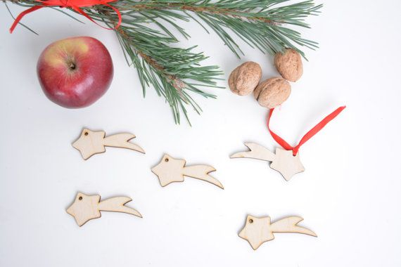 set of 25 wooden Christmas star shapes, tree decor, gift packaging winter season holiday decoupage shape tag DIY unfinished laser cut cutout