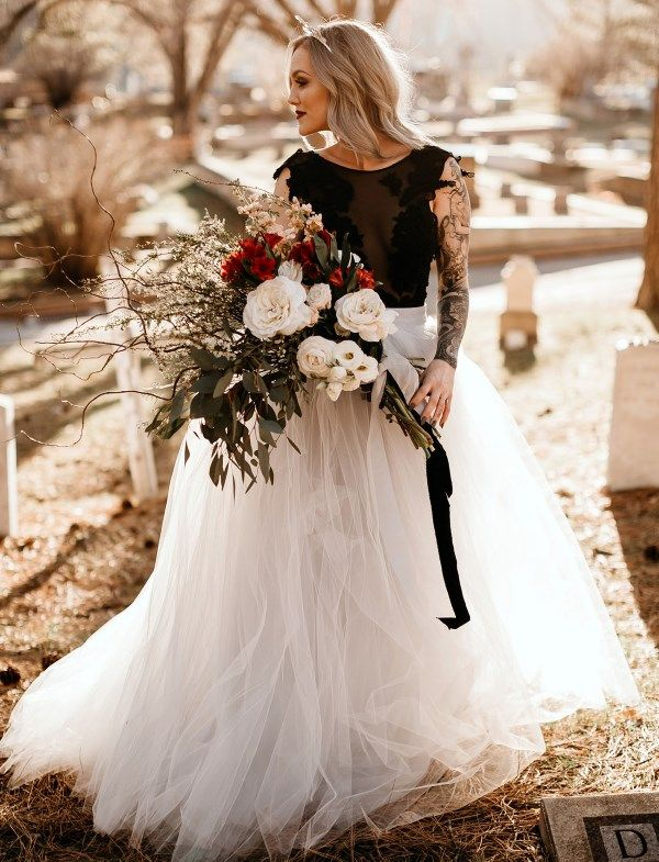 d0ce087fc 20 Non-Traditional Bridal Outfits That Wow | Only Way To Do It ...