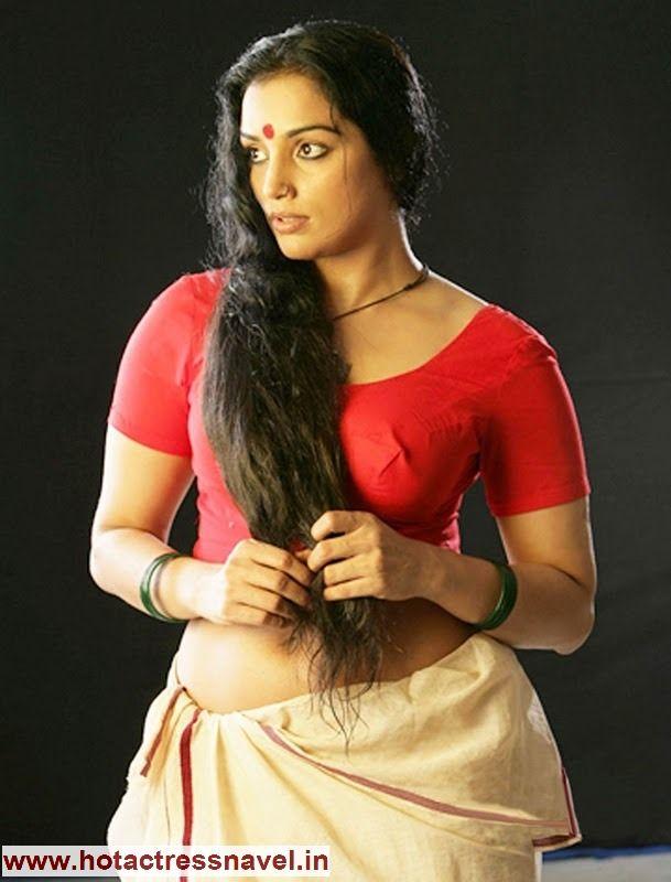 Button saree belly