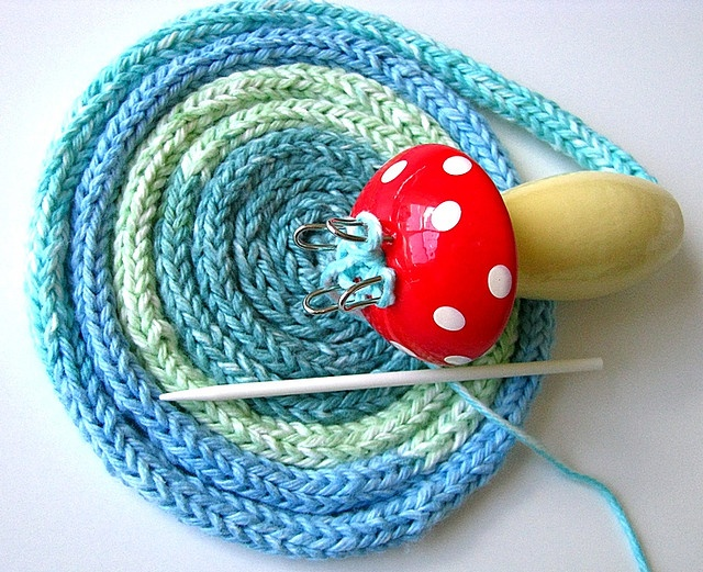 Fliegenpilz - Spool Knitting. By Daniella of NikkisStudio.