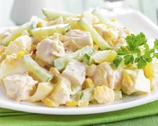 Salade di�t�tique au poulet, ananas et pomme