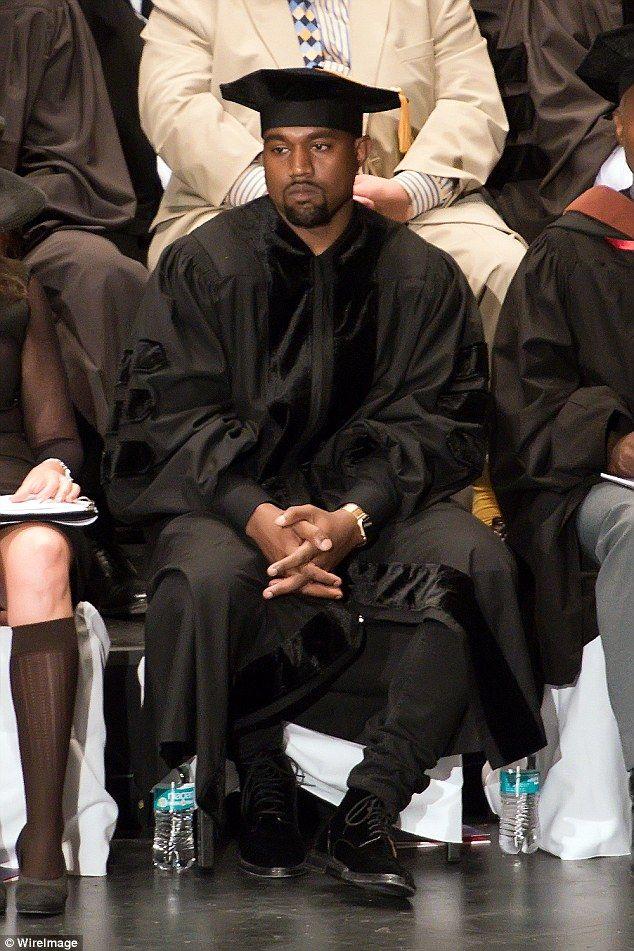 Risultati Immagini Per Kanye West Sitting Down Bored Kanye West Funny Kanye West Kanye West Style