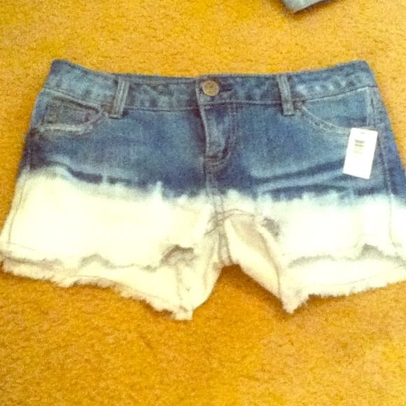 TRADED! NWT Dip Dye Shorts So cute dip dye shorts with fringe ends for a more used looked Jeans