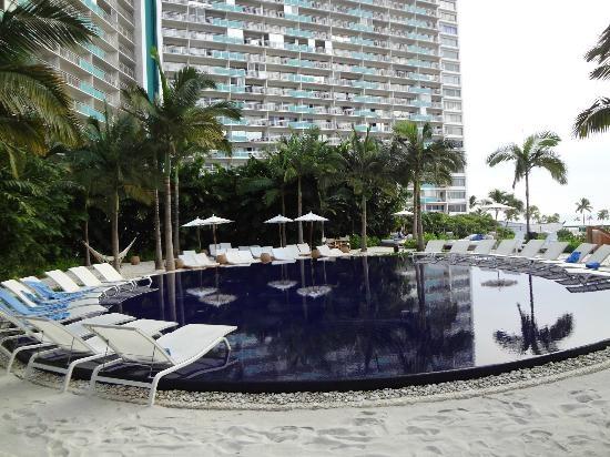 The Modern Honolulu Sunset Pool Future Vacation Ideas Pinterest Hawaii And Hotel