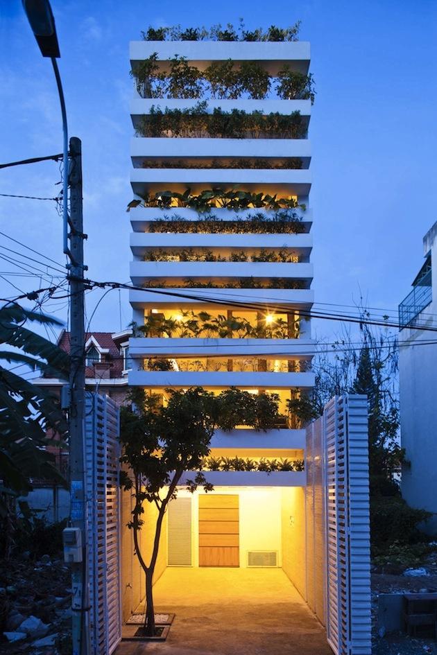 Saigon Tropical Stacking Green House